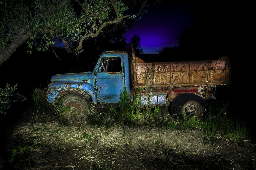 Abandoned-Truck-Photo.jpg